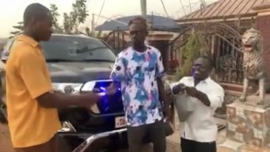 Photo of Lilwin flaunts newly 'acquired' V8 to mock Funny Face