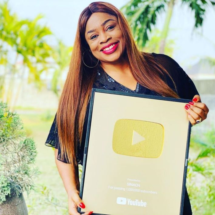 YouTube awards Nigerian Gospel singer, Sinach with Gold Plaque For reaching a Million Subscribers