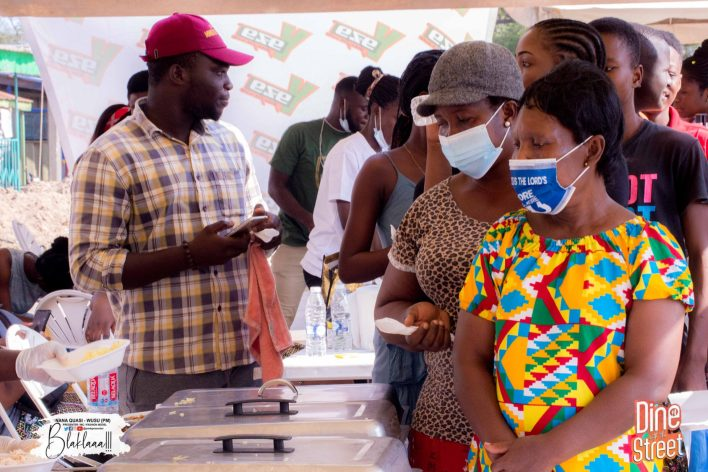 PM Foundation Feeds Over 1000 People On The Street Of New Site - Takoradi