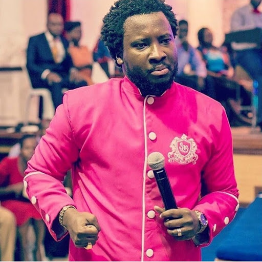 Video: Sonnie Badu reportedly resurrects girl who was declared dead by Doctors