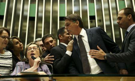 Mesmo sem mandato, Jair Bolsonaro há de dar trabalho a adversárias como Maria do Rosário. Foto: Marcelo Camargo / Agência Brasil