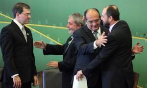 Toffoli e Lula no dia em que o primeiro deixou a AGU e entrou no STF, em 2009: amigo é para essas coisas. Foto: U.Dettmar/SCO/STF