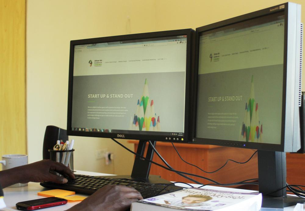 African-Art-Innovations-workstation