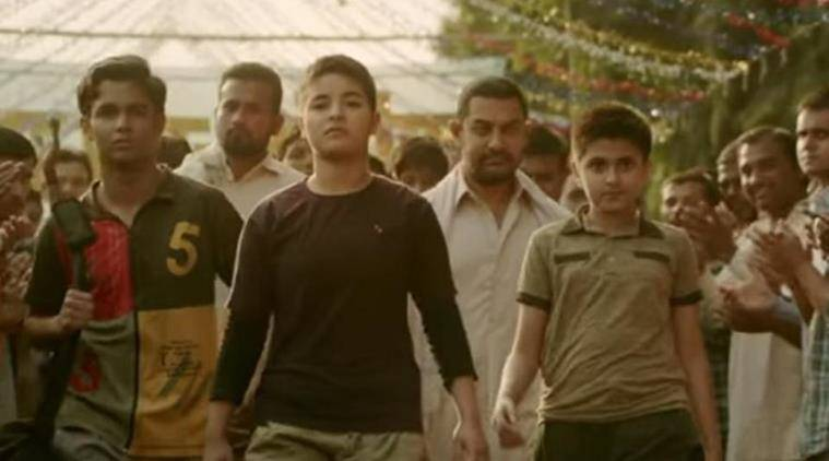 film dangal breaks the record of salman khan's sultan and earns 300 crores in 13 days