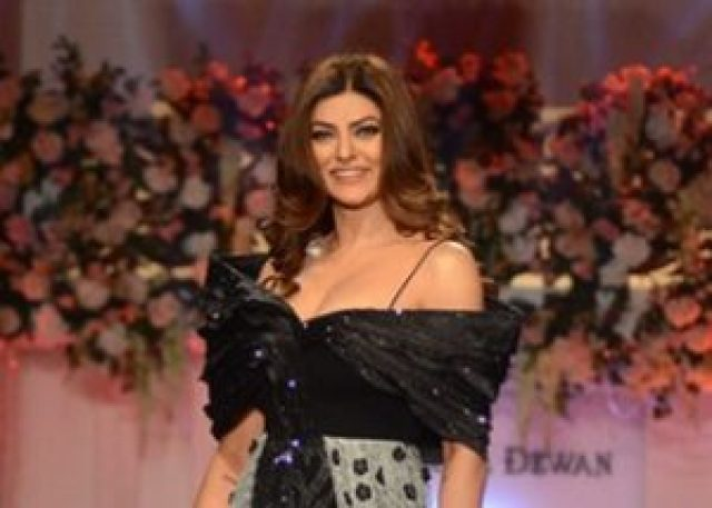 sushmita sen reaches at miss universe 2017 after 23 years of winning miss universe title