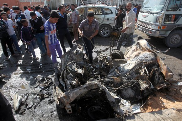9 people dead and 32 injured due to car bomb explosion in baghdad