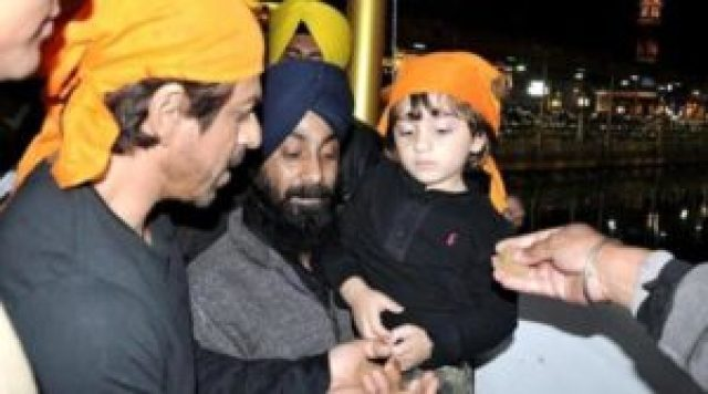 shah rukh khan and his son abram reaches golden temple in amritsar