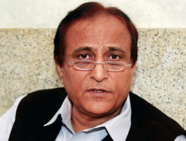 azam khan said that there is no need of court on the issue of three divorce