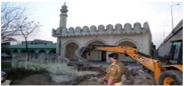 muzaffarnagar old mosque मस्जिद destroyed