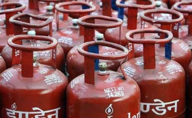 lpg gas cylinder color red