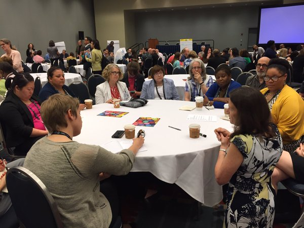 Attendees discuss diversity and inclusivity in museums at the Open Forum on Diversity and Inclusion at AAM's 2016 Annual Meeting.