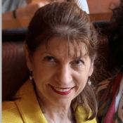 Headshot of Linda Andreani.