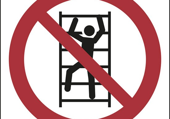 (vietato arrampicarsi – no climbing)