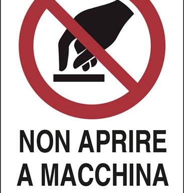 NON APRIRE A MACCHINA IN MOTO
