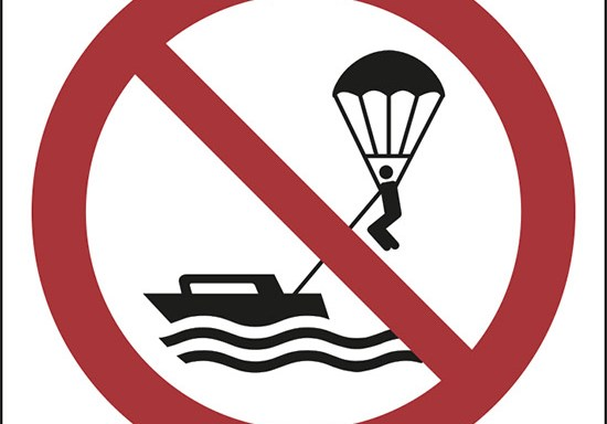 (niente parasailing – no parasailing)