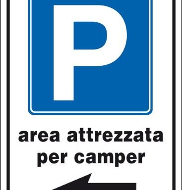 P area attrezzata per camper (a sinistra)