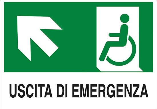 USCITA DI EMERGENZA (disabili in alto a sinistra)