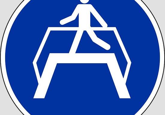 (use footbridge)