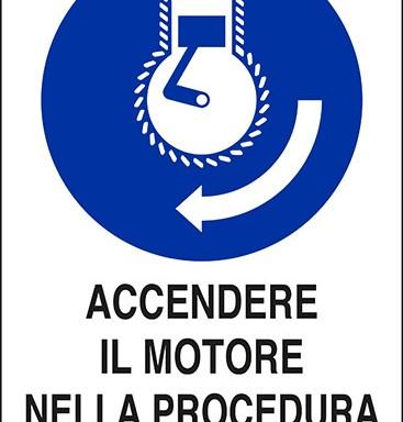 ACCENDERE IL MOTORE NELLA PROCEDURA DI LANCIO IN MARE