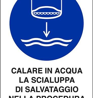 CALARE IN ACQUA LA SCIALUPPA DI SALVATAGGIO NELLA PROCEDURA DI LANCIO IN MARE