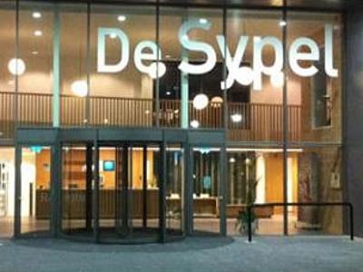 Politiek Harderwijk Breekt de nek zowat over Zwembadverbouwing
