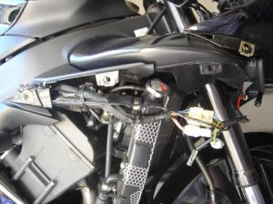 Yamaha R1 HID Instructions