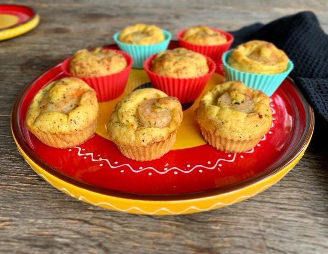 Hartige garnalen prei kerrie cupcakes
