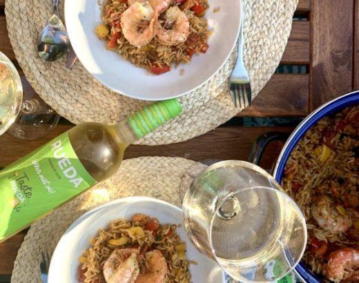 Jambalaya met chorizo en garnalen freshly fish box weekmenu