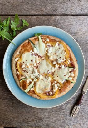 Pizza gegrilde paprikasaus en feta