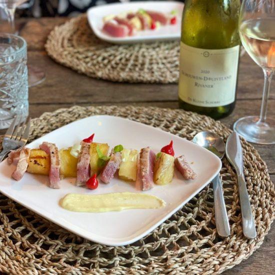 Tonijn met ananas van de grill