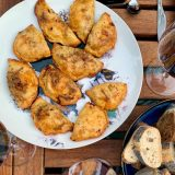 empanadas met pittig gehakt en ei