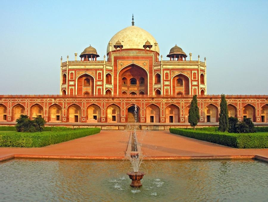 cheapest hangout places in Delhi   Aapka Times   Aapka Times Humayun     s Tomb  New Delhi  India
