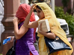 Heat wave to dwindle, claims 1400 lives