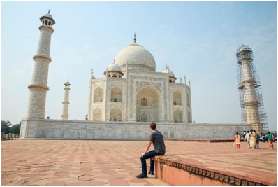 Mark Zuckerberg got overwhelmed by the beauty of Taj Mahal, Agra