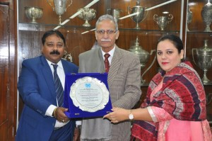 AMU Vice Chancellor conferred India's Most Eminent Vice Chancellor Award