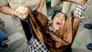 Mother of JNU student Najeeb detained,released along with scores of agitating students tried to take out a protest march to India Gate