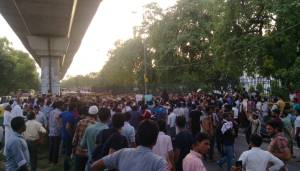 Jamia Students protest against RSS backed Iftar in Jamia campus; 6 students detained by police and released later