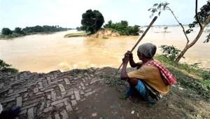 बाढ़ दर्शन: हमारा गांव नेपाल के सीमा से सटल है, बाढ़ से हमलोगों का पुराना याराना है
