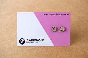 Stud earrings timber – Sun and Moon design – Aardwolf Design