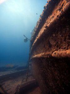 Wreck - Navy Tug - Side - DIver - Teresa