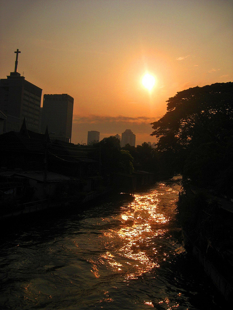 Sunrise on a Bangkok Khlong