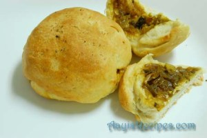 Spicy stuffed potato buns (Khara buns)