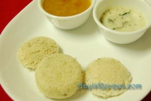 Idlis with wheat rava (Ganva rave idli)