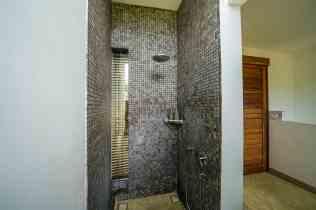 Villa Kadek Bedroom 3 Bathroom(2)