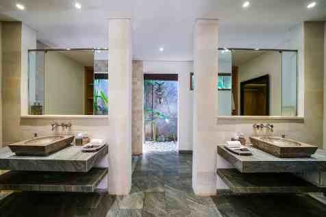 Villa Nyoman Bedroom 2 Bathroom