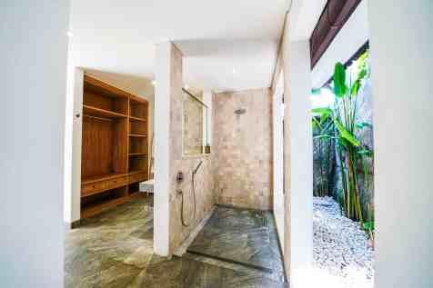 Villa Nyoman Bedroom 2 Bathroom(2)