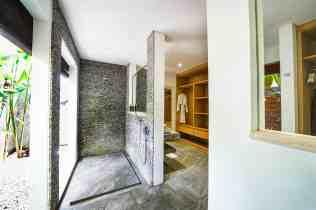 Villa Kadek Bedroom 1 Bathroom(2)