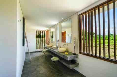 Villa Iluh Bedroom 6 Bathroom(2)