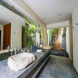 Villa Nyoman Bedroom 4 Bathroom (2)