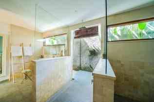 Villa Iluh Master Bathroom